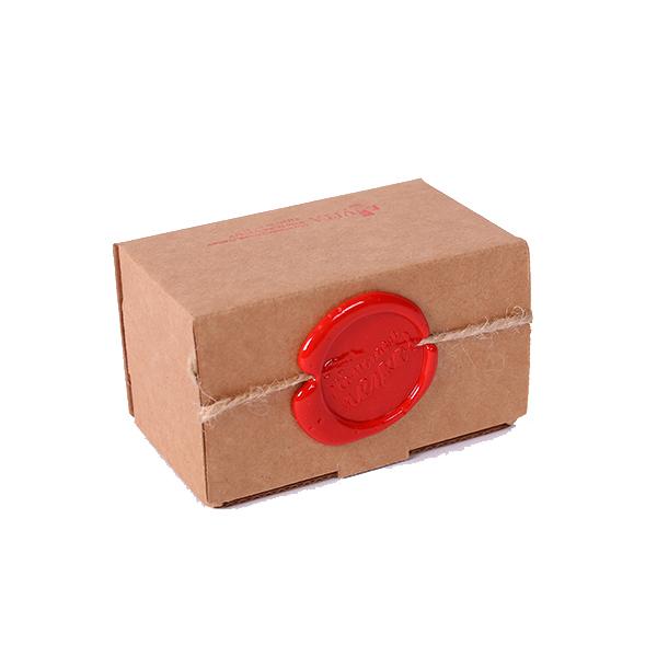 крафтовая упаковка с сургучом