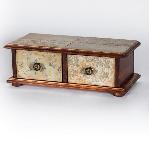 Шкатулка с двумя ящиками