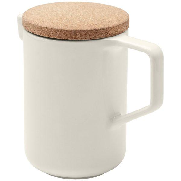 Чайник с крышкой из пробки