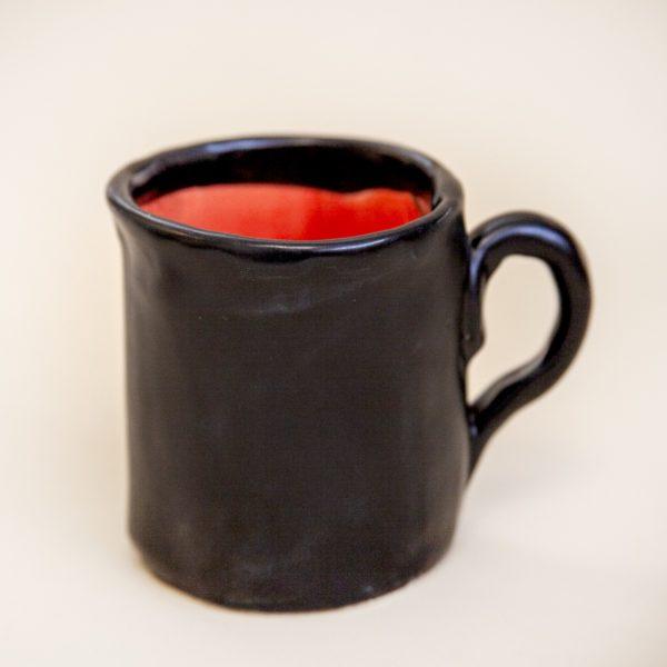 Кружка «Черная снаружи, красная внутри»